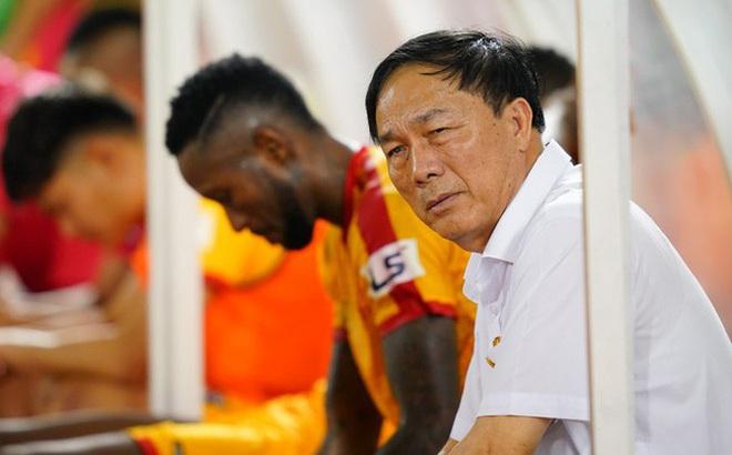Chuyên gia Vũ Mạnh Hải: Không hiểu bóng đá, bầu Đệ sắp trả giá