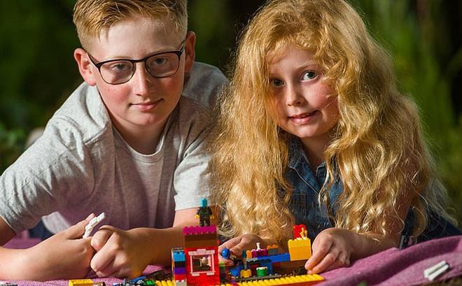 Bé trai 10 tuổi 'bình tĩnh đến kinh ngạc', dùng thủ thuật học ở lớp cứu sống em gái hóc dị vật