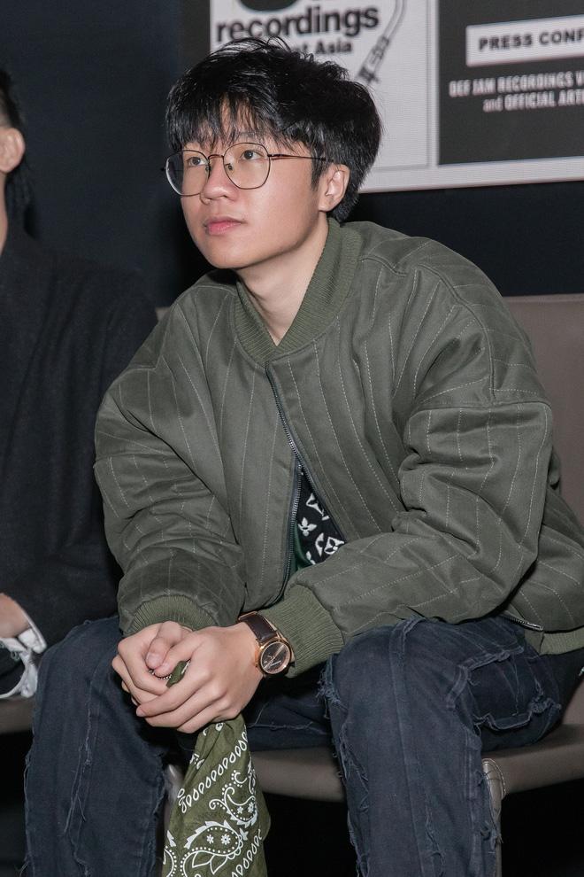 Thí sinh Rap Việt, King Of Rap cùng hội ngộ ủng hộ sản phẩm mới của Obito - Ảnh 1.