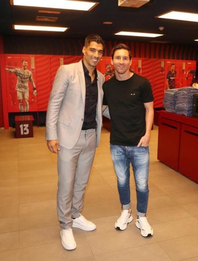 Những hình ảnh đầu tiên của Luis Suarez ở đội bóng mới Atletico Madrid - Ảnh 4.