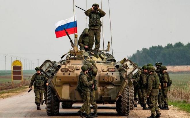 """Thế tiến công như """"nước chảy"""": Từ Syria đến Iraq, Mỹ rút về đâu Nga theo tới đó?"""