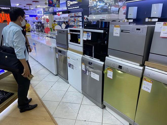 Máy rửa chén đã qua sử dụng được mua nhiều - Ảnh 1.