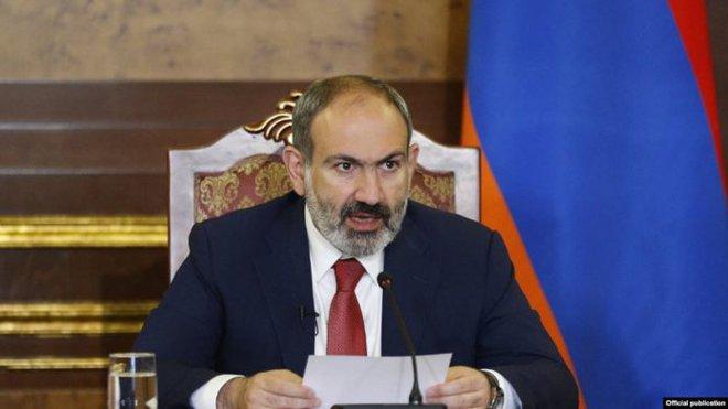 Armenia và Azerbaijan trên bờ vực xung đột toàn diện: 19 máy bay bị bắn rơi, 10 tăng - thiết giáp bị phá hủy? - Ảnh 2.
