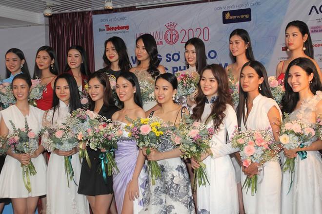 Thí sinh cao nhất Hoa hậu Việt Nam 2020 với 1m84: 'Vào Bán kết làm em bất ngờ và bối rối' - ảnh 1