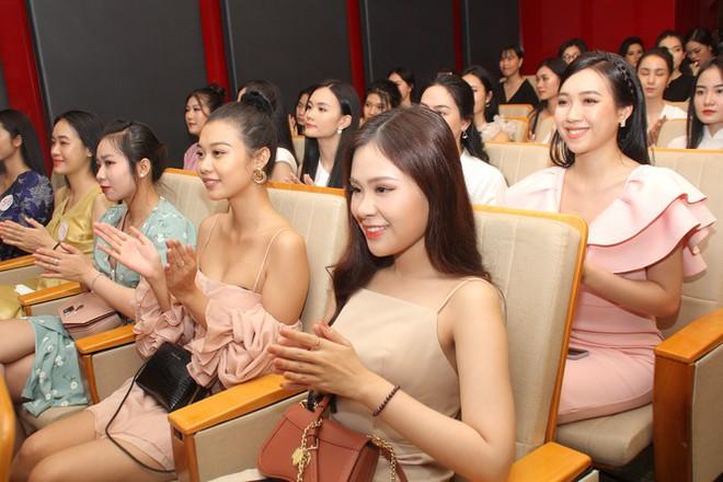 Thí sinh cao nhất Hoa hậu Việt Nam 2020 với 1m84: Vào Bán kết làm em bất ngờ và bối rối - Ảnh 2.