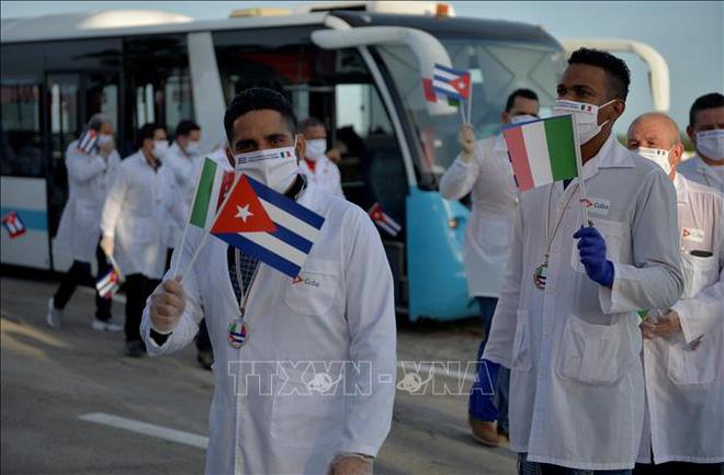 Đoàn bác sĩ quốc tế Cuba được đề cử giải Nobel Hòa bình - Ảnh 1.