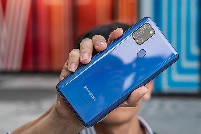 Top 5 điện thoại giá rẻ dưới 4 triệu đồng có camera chất, pin khủng - Ảnh 1.