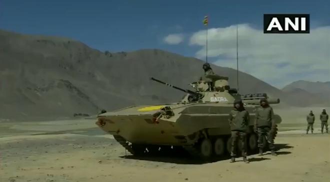 Mùa đông đang đến, Ấn Độ điều gấp T-90 lên biên giới: Xe tăng Nga tỏ rõ sự ưu việt - Ảnh 1.