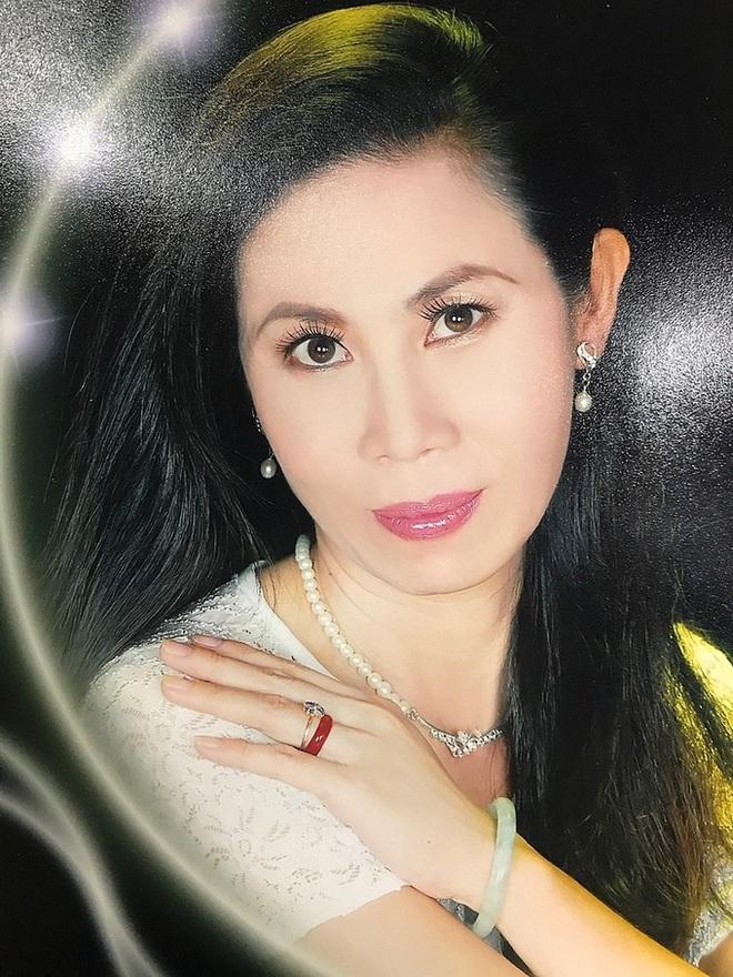 Thí sinh U60 gây chú ý khi xuất hiện tại vòng sơ khảo Hoa hậu Việt Nam và nhan sắc đời thực - Ảnh 7.