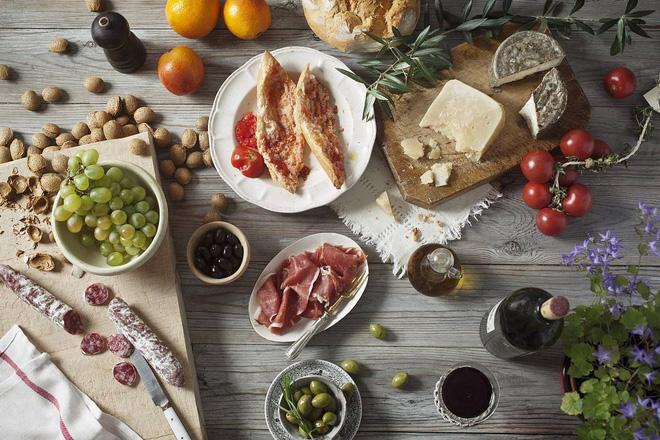 Chế độ ăn Địa Trung Hải: Vì sao được WHO khuyến khích mọi người nên áp dụng? - Ảnh 2.