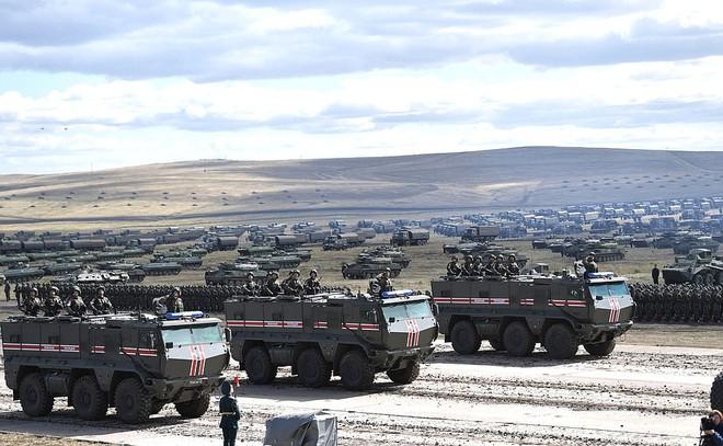 Mỹ-NATO liều lĩnh khiêu khích, Nga sẵn sàng vung gậy ngay và luôn: Bất ngờ và đột ngột! - Ảnh 6.