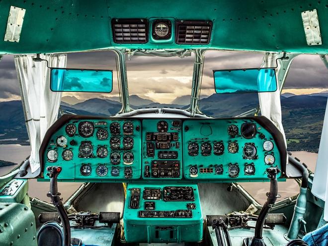 Hình ảnh bên trong buồng lái những chiếc máy bay huyền thoại của Liên Xô - Ảnh 6.