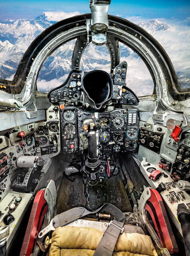 Hình ảnh bên trong buồng lái những chiếc máy bay huyền thoại của Liên Xô - Ảnh 7.