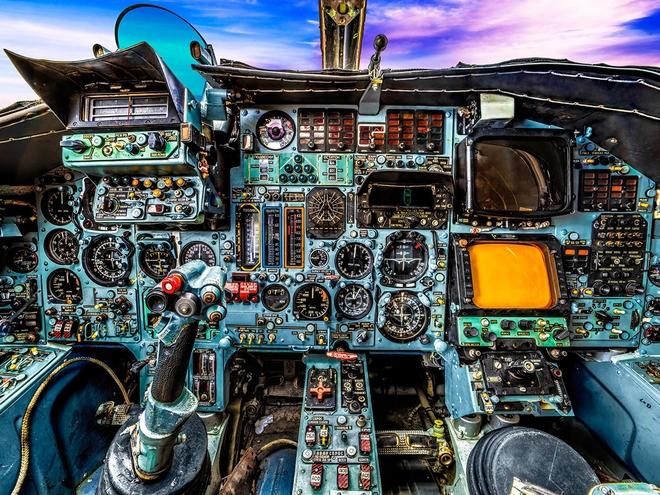 Hình ảnh bên trong buồng lái những chiếc máy bay huyền thoại của Liên Xô - Ảnh 9.