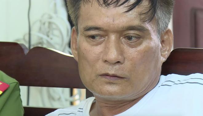 Video trinh sát đào đất lấy lô ma túy trị giá 10 tỷ đồng của ông trùm ở xứ Nghệ - Ảnh 2.