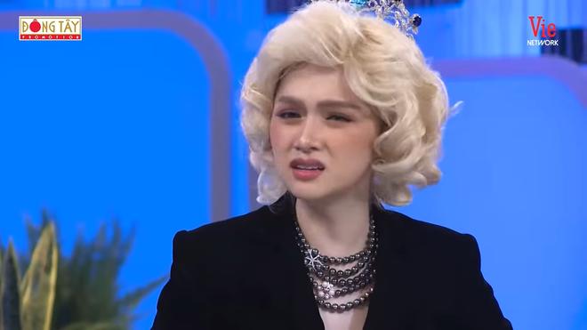 Hương Giang bật khóc: Tôi hối hận nhất là đã quá vô tâm với bà mình! - Ảnh 4.