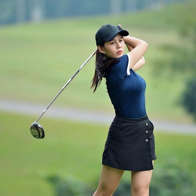 Chân dung nữ MC thể thao lỡ đi nhầm sân golf nên lấy được chồng - Ảnh 3.