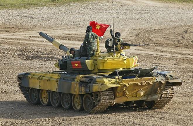 Đại tá Nguyễn Khắc Nguyệt: Không có xạ thủ số 2, lính xe tăng bắn máy bay ra sao? - Ảnh 2.