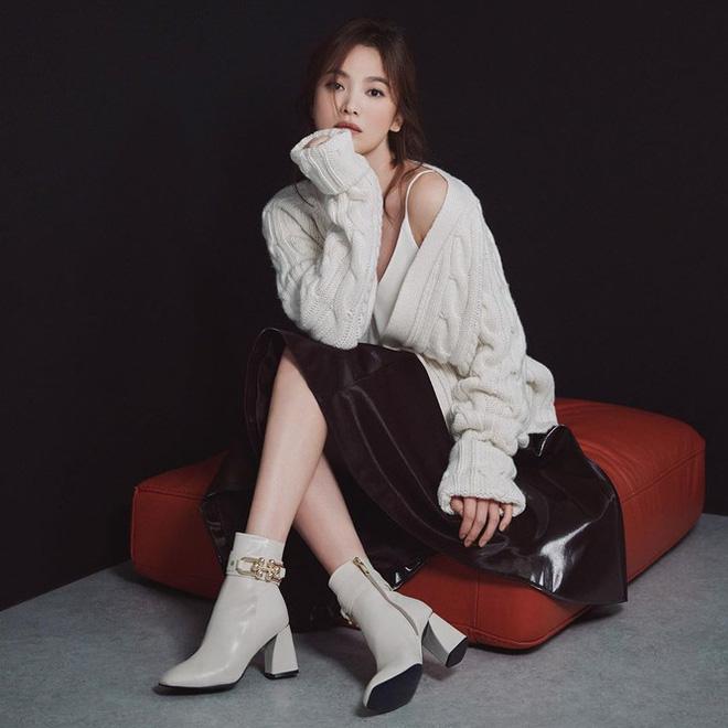 Song Hye Kyo gợi cảm bất ngờ với style tóc nâu môi trầm - Ảnh 8.