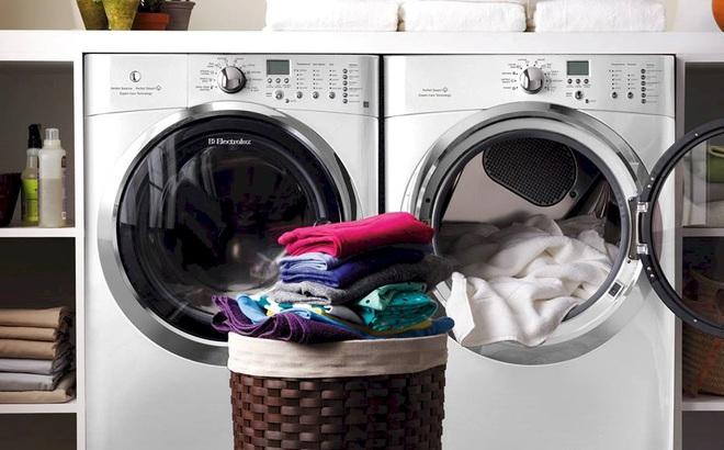 """Máy giặt lồng ngang trên 14kg """"bay"""" cả chục triệu, nhiều chiếc có chức năng sấy tiện lợi"""