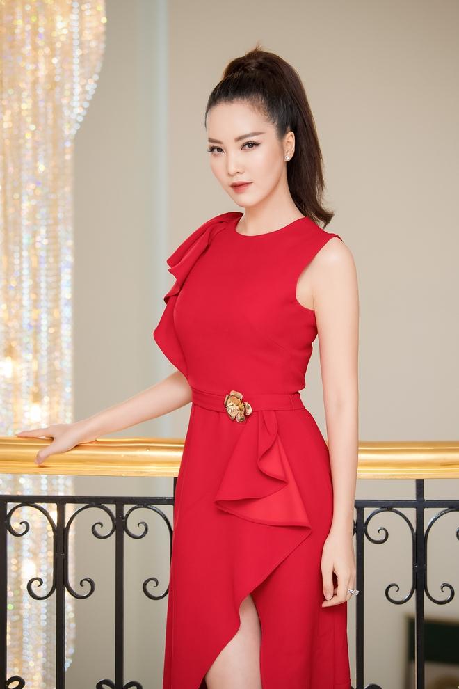 Á hậu Thụy Vân đẹp nổi bật, ngồi ghế nóng Hoa hậu Việt Nam - Ảnh 4.