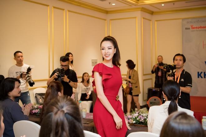 Á hậu Thụy Vân đẹp nổi bật, ngồi ghế nóng Hoa hậu Việt Nam - Ảnh 3.