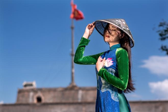 Mỹ nhân có mái tóc đẹp nhất Hoa hậu Việt Nam 2016 duyên dáng trong tà áo dài - Ảnh 10.