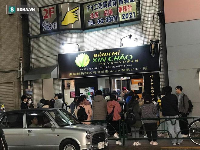 Quán bánh mì Việt Nam của hai anh em du học sinh trên đất Nhật: Giá 100.000 đồng/chiếc, khách đông nghịt - Ảnh 10.