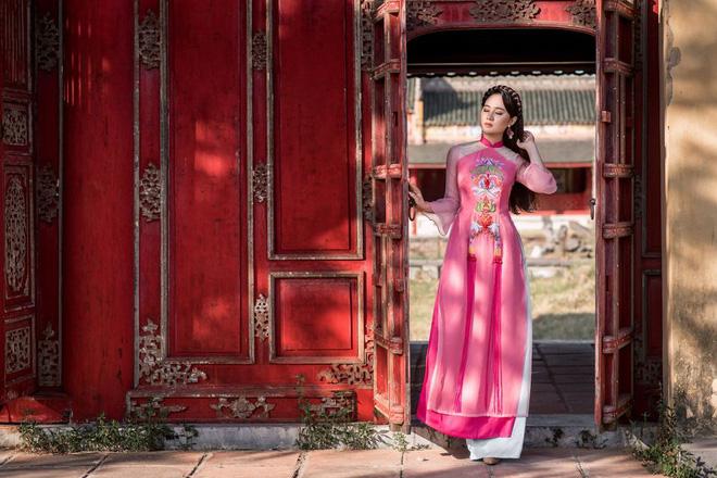 Mỹ nhân có mái tóc đẹp nhất Hoa hậu Việt Nam 2016 duyên dáng trong tà áo dài - Ảnh 7.