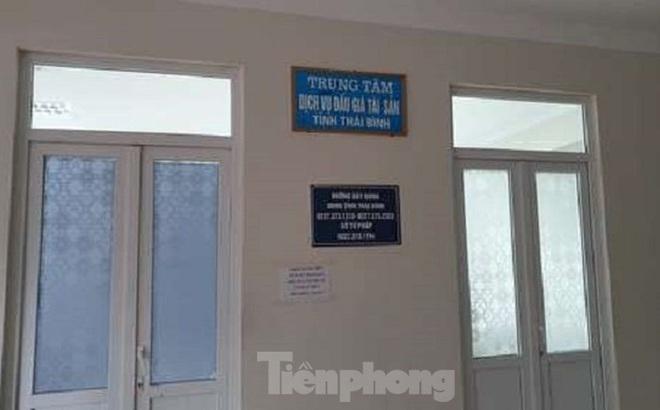 Khởi tố Phó giám đốc Trung tâm Dịch vụ đấu giá Thái Bình về tội danh 'đánh bạc'