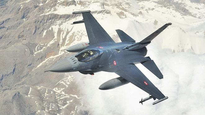 F-16 bắn rơi Su-25: Chiêu trò rẻ tiền hay ngòi nổ cho cuộc chiến lớn ở Nagorno-Karabakh? - Ảnh 1.