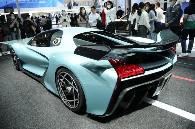 Cận cảnh chiếc ô tô kỳ lạ do Trung Quốc sản xuất, có giá ngang siêu xe Ferrari LaFerrari  - Ảnh 5.