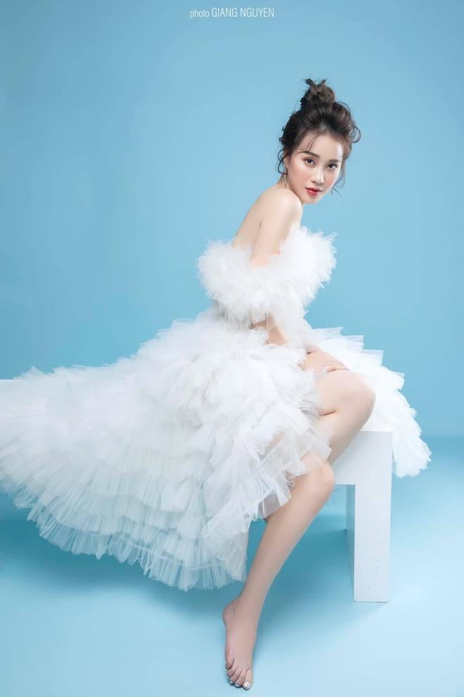 Nhan sắc MC VTV vừa bị loại khỏi Hoa hậu Việt Nam 2020 - Ảnh 6.