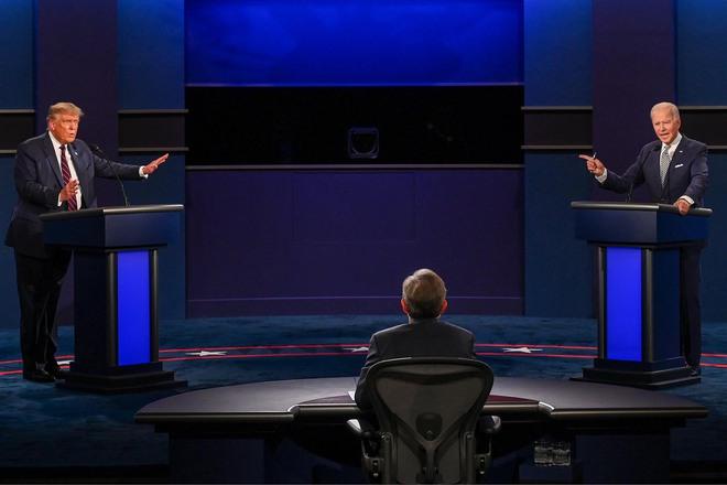 Tranh luận thành chảo lửa: Ông Trump và ông Biden bất đồng về tất cả vấn đề, liên tục công kích cá nhân - Ảnh 1.