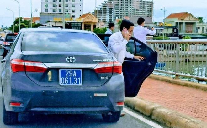 Vụ đoàn xe biển xanh dừng trên cầu Nhật Lệ: Thứ trưởng Bộ Xây dựng thừa nhận có sơ suất, lái xe đã nộp phạt