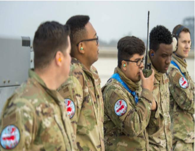 Lính Mỹ tập trận với quân phục in hình chiến cơ đè bản đồ Trung Quốc: Thông điệp mạnh về biển Đông - Ảnh 1.