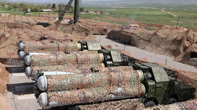 NÓNG: Azerbaijan tuyên bố tiêu diệt hệ thống tên lửa S-300 của Armenia ở Nagorno-Karabakh - Ảnh 1.