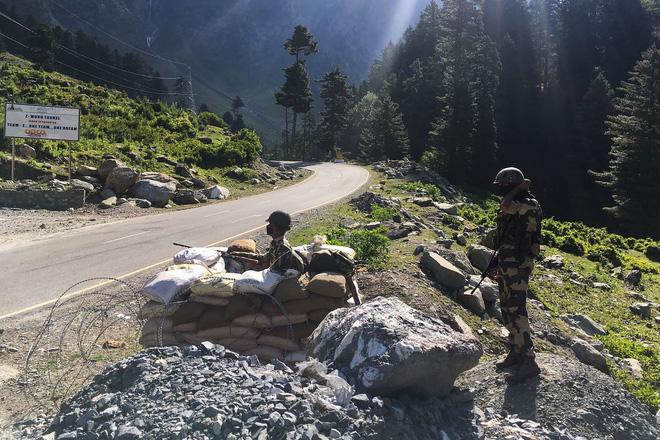 Vì sao quân đội TQ không chiếm lĩnh được các tiền đồn biên giới từ tay Ấn Độ? - Ảnh 1.