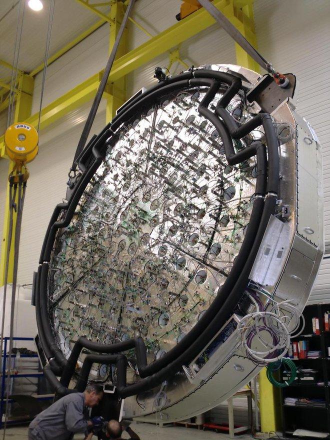 Bí mật cỗ máy tiêu tốn hàng tỷ đô tại Mỹ: Thứ gì khiến nó sống sót ở mức nhiệt 1.377 độ C? - Ảnh 5.