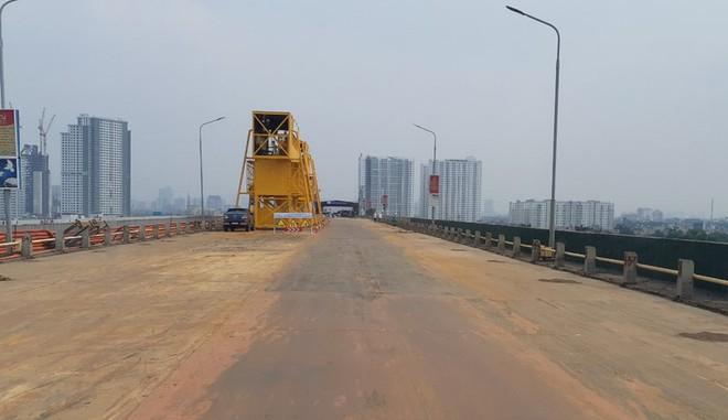 Sửa mặt cầu Thăng Long: Chuyên gia Trung Quốc là 2 kỹ thuật viên thực hiện bàn giao, vận hành thiết bị - Ảnh 1.