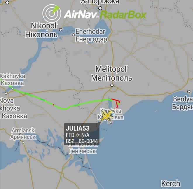 Ukraine mở cửa không phận, B-52 Mỹ bay thẳng về phía Crimea: Nga báo động khẩn cấp - Ảnh 1.