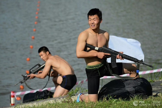 Cận cảnh màn trình diễn các trinh sát quân sự tại Army Games 2020 - Ảnh 11.