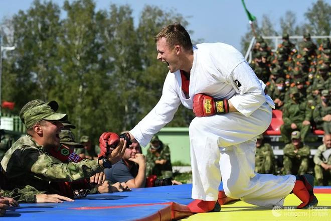 Cận cảnh màn trình diễn các trinh sát quân sự tại Army Games 2020 - Ảnh 13.