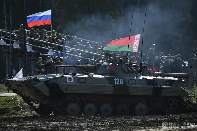 Cận cảnh màn trình diễn các trinh sát quân sự tại Army Games 2020 - Ảnh 14.