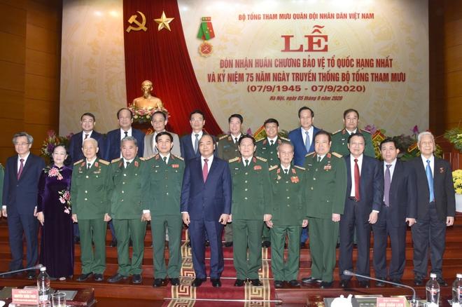 Thủ tướng: Chiến công của Bộ Tổng Tham mưu thể hiện đỉnh cao nghệ thuật quân sự - ảnh 6