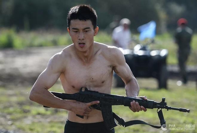 Cận cảnh màn trình diễn các trinh sát quân sự tại Army Games 2020 - Ảnh 6.