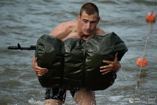Cận cảnh màn trình diễn các trinh sát quân sự tại Army Games 2020 - Ảnh 7.
