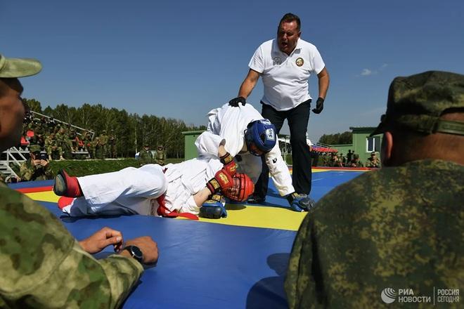 Cận cảnh màn trình diễn các trinh sát quân sự tại Army Games 2020 - Ảnh 9.