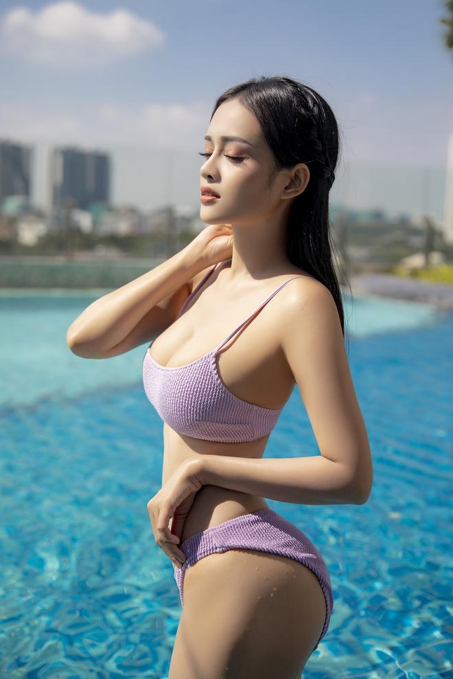 Loạt ảnh bikini nóng bỏng của MC Thanh Trúc, vòng eo 54 cm gây chú ý - Ảnh 3.