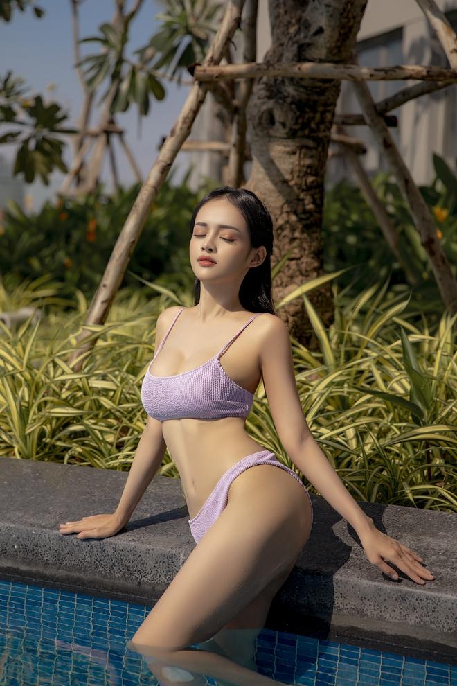 Loạt ảnh bikini nóng bỏng của MC Thanh Trúc, vòng eo 54 cm gây chú ý - Ảnh 6.